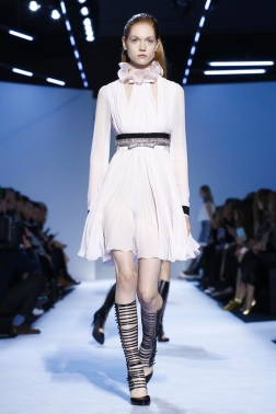 Giambattista Valli, Fashion Show, Ready To Wear Collection Fall Winter 2016 in Paris