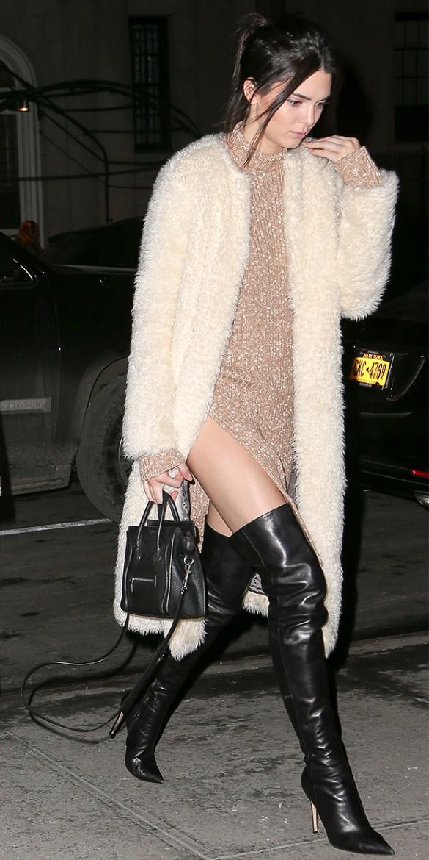Kendall-Jenner-Black-Céline-Nano-Luggage.jpg