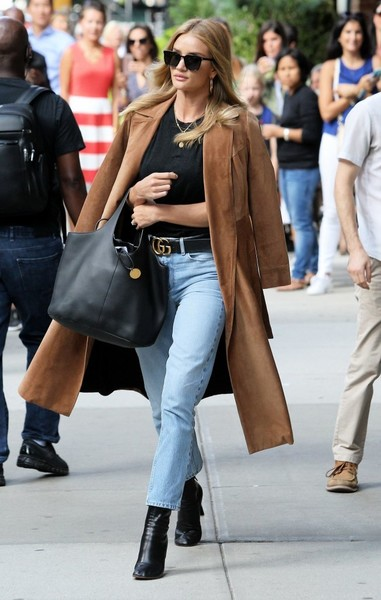 Rosie+Huntington+Whiteley+Tote+Bags+Leather+NYZyxyWd3rnl.jpg